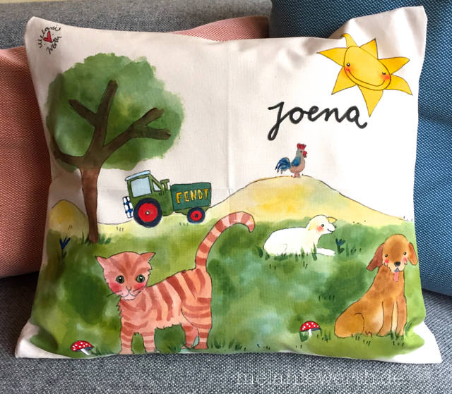 Bauernhoftiere Hund, Katze, Schaf und Hahn mit einem kleinen Traktor, Kissenbezug aus Bio-Baumwolle