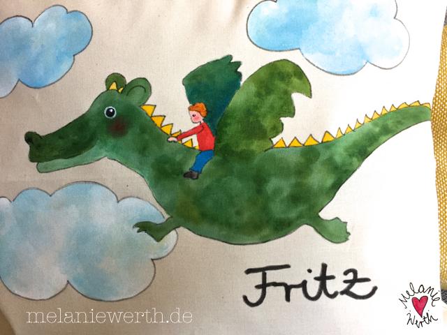 Geschenk mit Drache, Geschenk mit fliegendem Drachen, Kissenbezug Drache, Kissenbezug Geschenk Taufe, fliegender Drache Geschenk Geburt, Fritz fliegt auf seinem Drachen