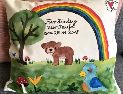 Vorname Finley, Geschenk mit Bär, Taufkissen, individuelles Geschenk Patenkind, Taufgeschenk, Regenbogen Hoffnung Taufe